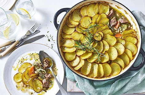 Lamb and bean hotpot