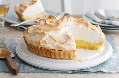 Lemon meringue pie HERO