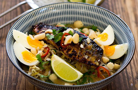 Grilled mackerel laksa