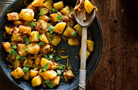 Middle eastern fried potatoes with coriander (t)
