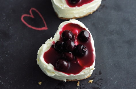 Mini blueberry cheesecakes HERO