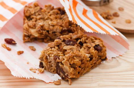 Muesli apple flapjacks HERO