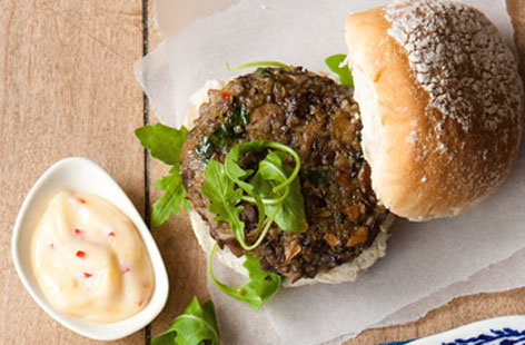 Mushroom and quinoa burgers with chilli mayo THUMB