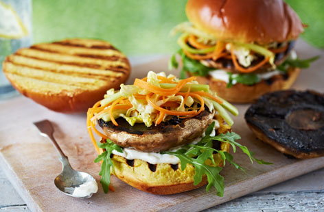 Mushroom burgers with Asian slaw (T)