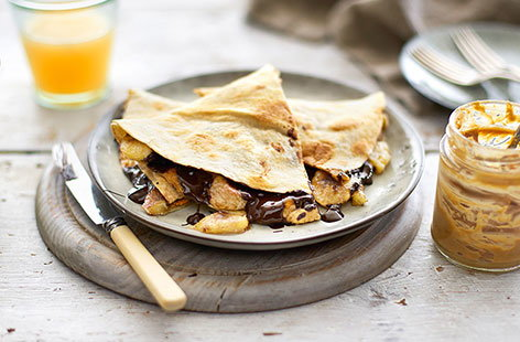 Cinnamon-spiced peanut butter and banana quesadilla