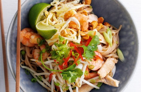 Prawn and chicken pad Thai