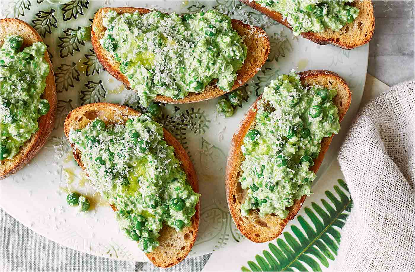 Smashed pea bruschetta recipe