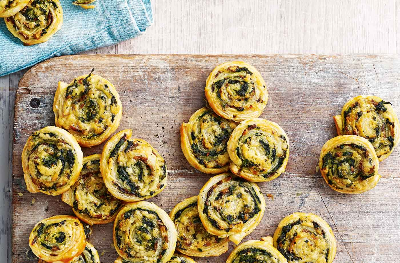Cheesy mushroom and spinach pinwheels recipe