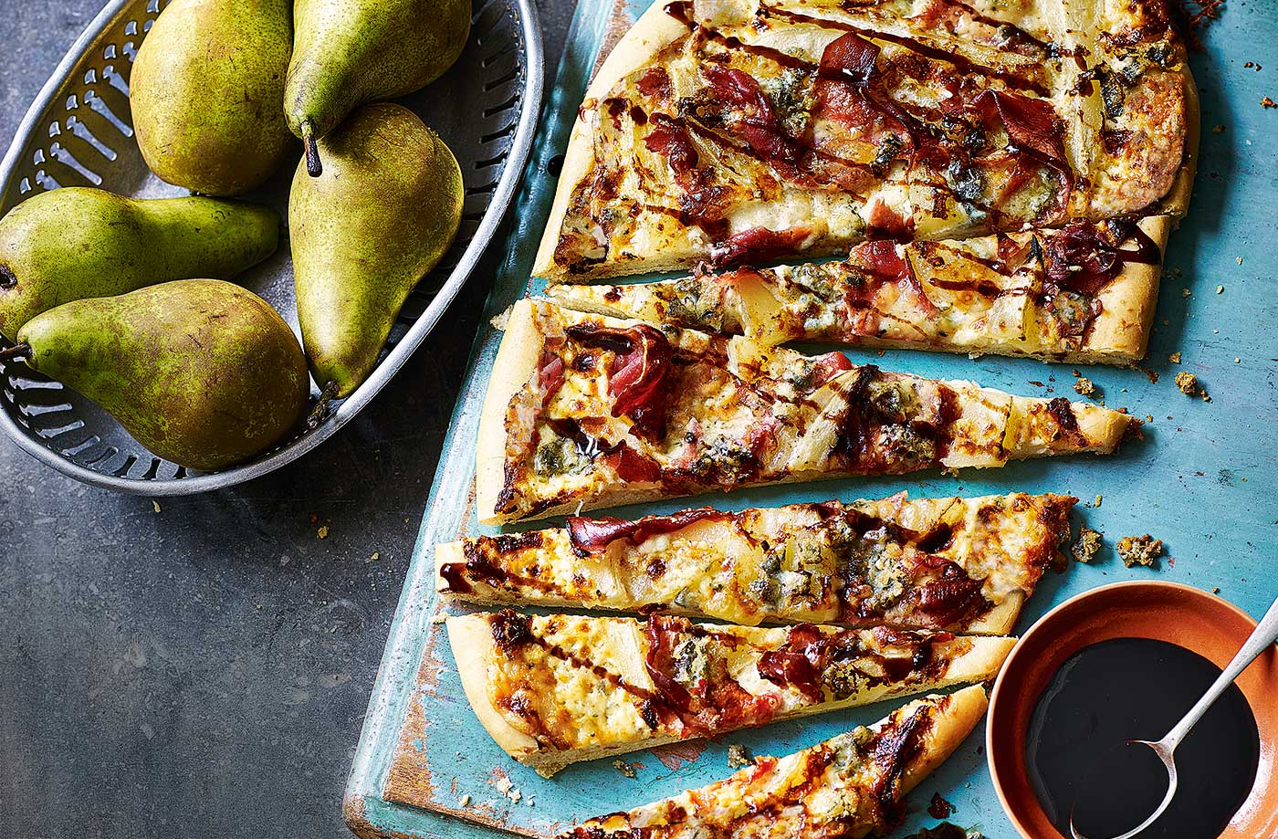 Pear, prosciutto and Gorgonzola pizza