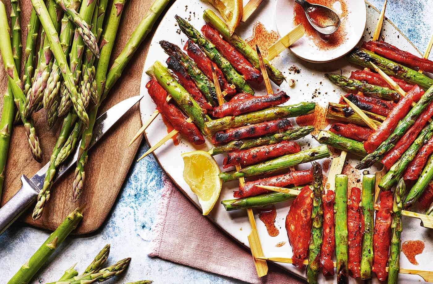 Asparagus and chorizo skewers recipe