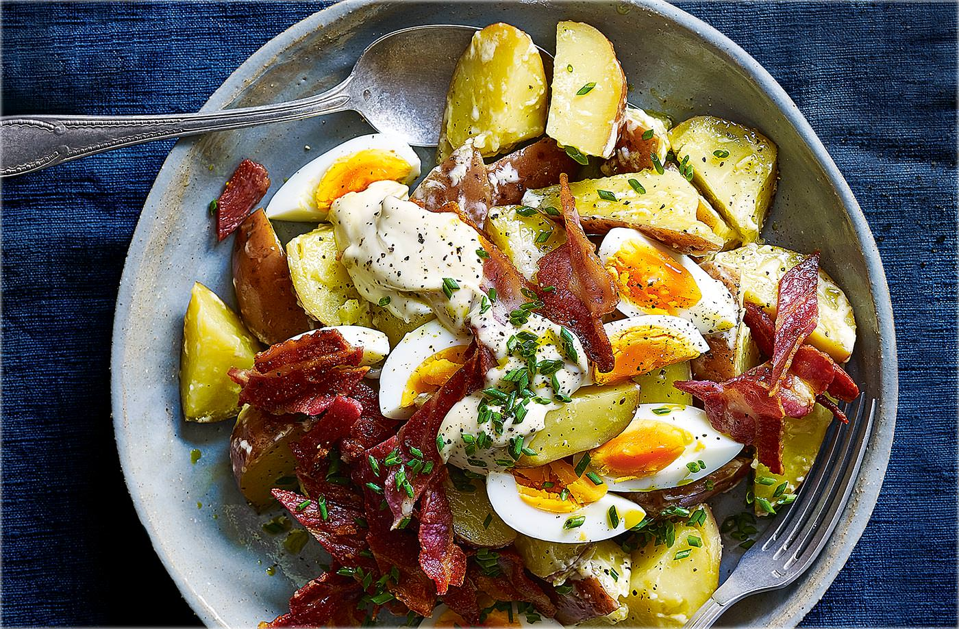 Crispy bacon and egg salad