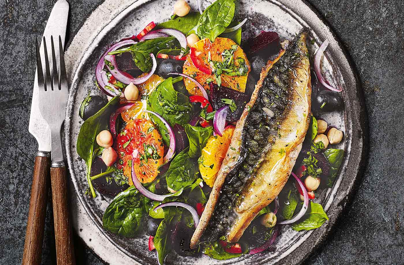 Orange and mackerel salad