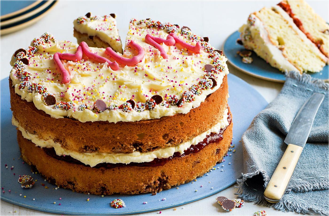 Tesco Cake Recipes Uk: Bill And Izzy's Mum'll Love This Cake Recipe