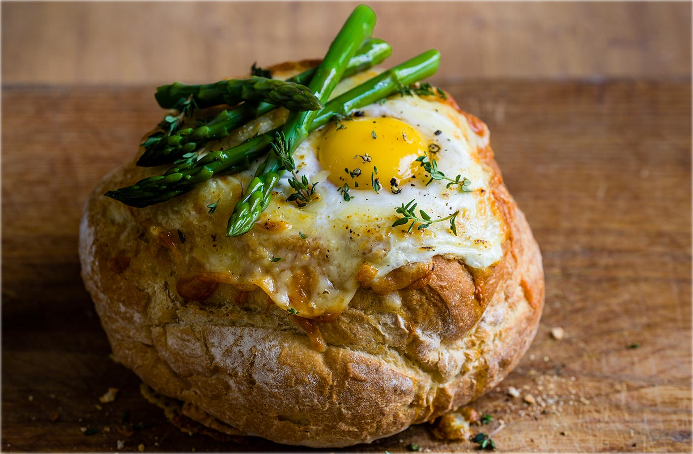 Eggs in a basket with chorizo and mushroom sauce recipe
