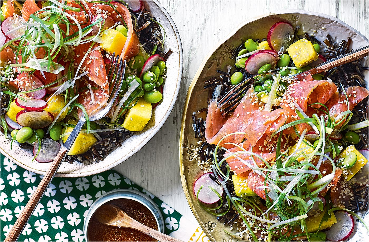 Hawaiian-style smoked salmon poké recipe