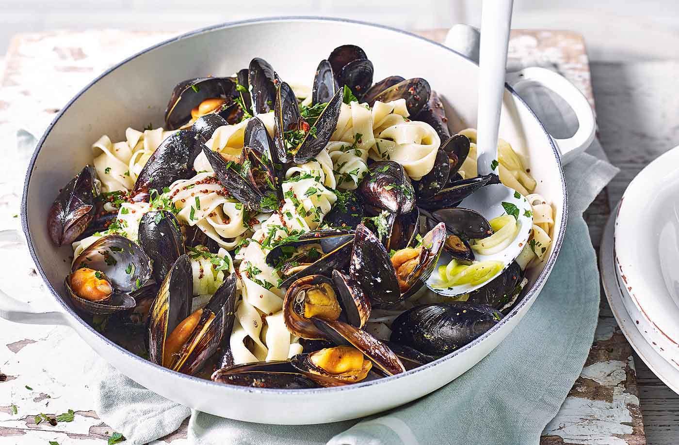 One-pot cider mussels with leeks and tagliatelle