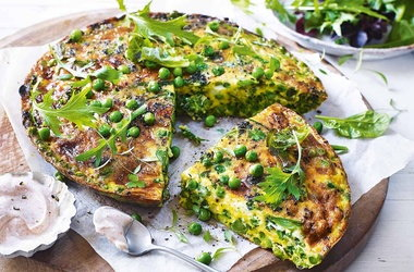 Pea, broccoli and Cheddar frittata