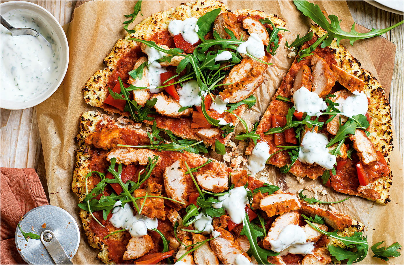 Spicy chicken cauliflower 'pizza'
