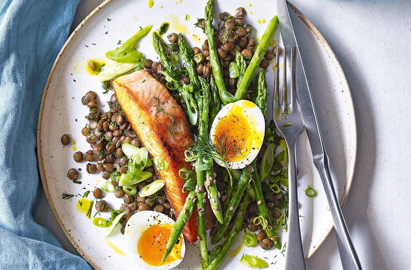 Roasted salmon with lentils and asparagus recipe