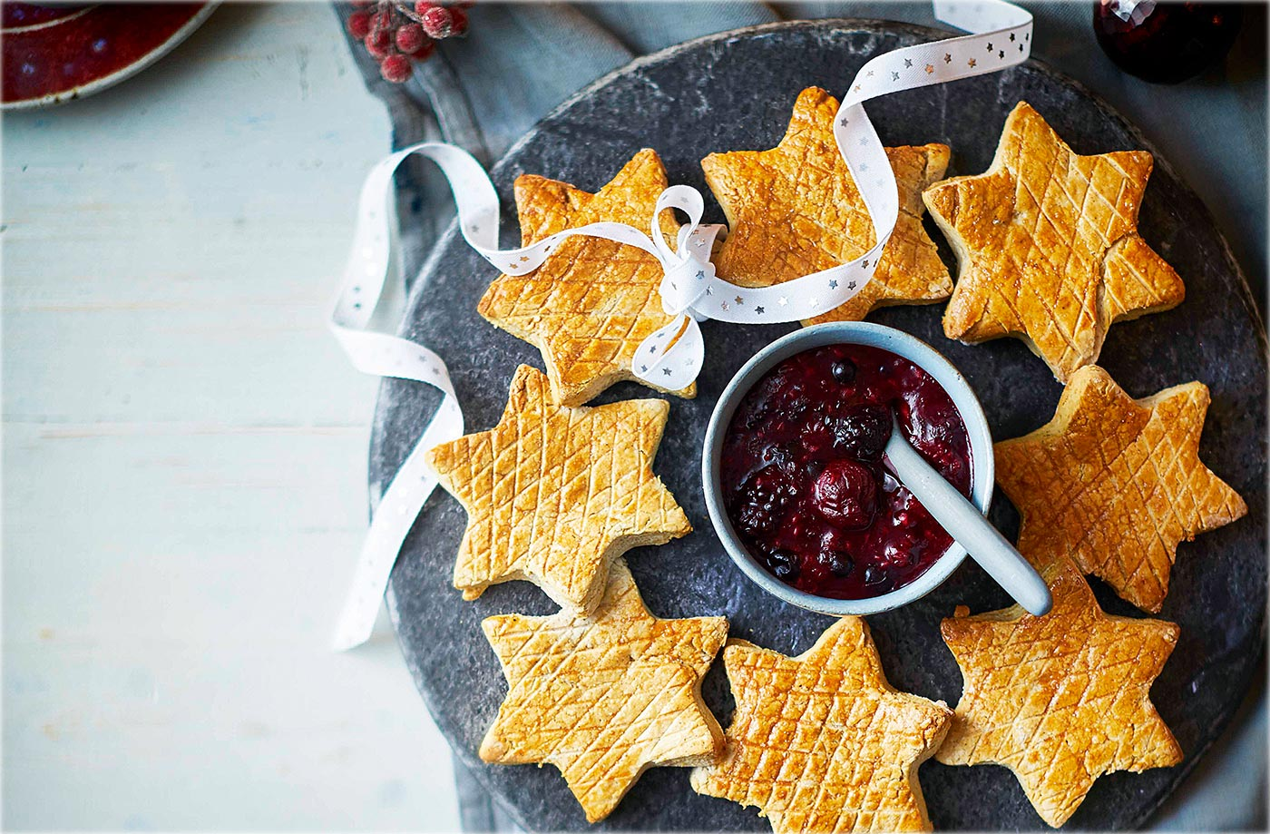 Spiced scone stars with berry compote recipe