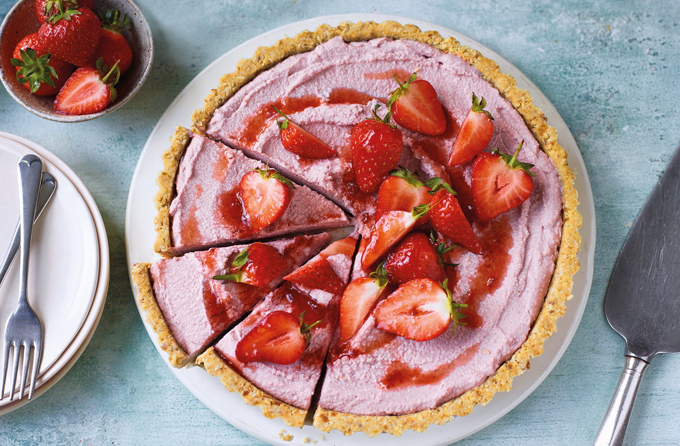 No-bake vegan strawberry tart recipe