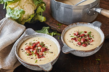 Cauliflower and white bean soup