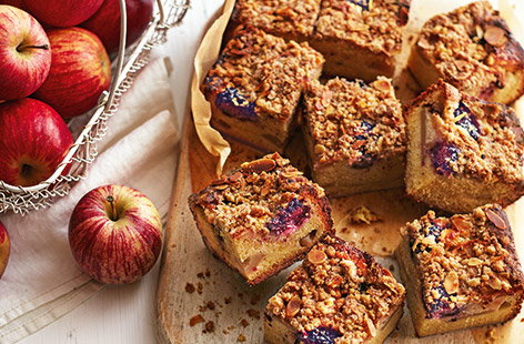 Channel all of the autumnal flavours of a classic apple crumble with this fruity crumble cake recipe. Made with juicy Gala apples, tangy blackberries and a pinch of cinnamon, it's a great lunchbox treat or afternoon pick-me-up