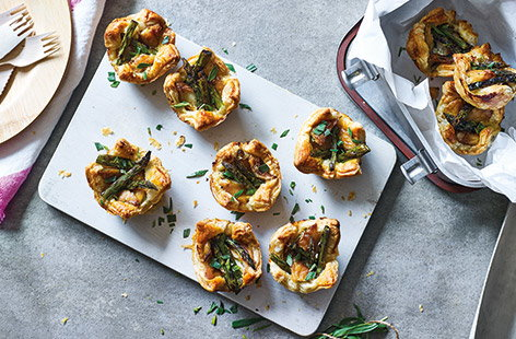 Asparagus and mackerel tartlets