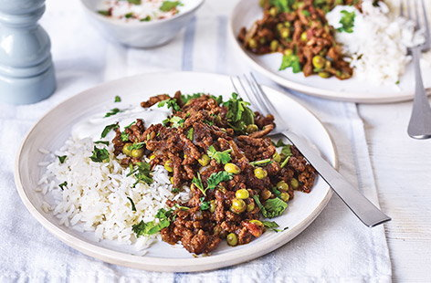 With beef mince, tomatoes and peas, this classic keema curry recipe is great for spicing up weeknight dinners