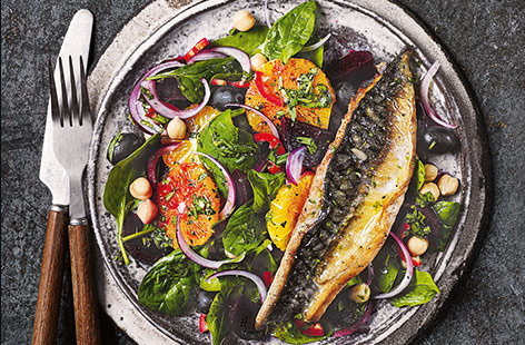 Bring out the flavour of delicate, flaky mackerel with sweet and juicy oranges in a sophisticated starter that's ready in no time.