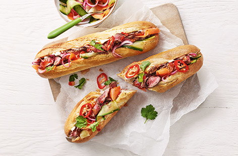 Chilli beef baguettes