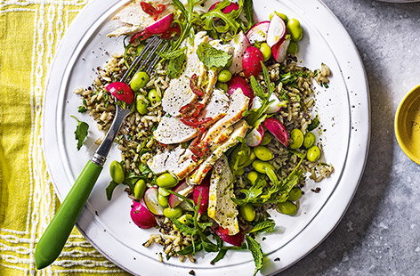 Pack up this colourful salad and take to work for a healthy packed-lunch. Marinated chicken with a touch of chilli heat and nutty quinoa combine for an easy meal that will keep you going all afternoon.