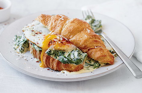 Creamy spinach and Parmesan croissant