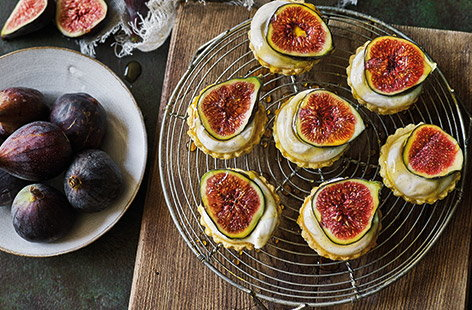 For a healthy dessert or afternoon tea treat, have a go at this pretty fig tartlet recipe with honey and Greek-style yogurt.