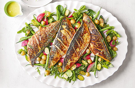 Gooseberry and mackerel salad