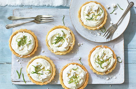 Mini lime meringue tarts