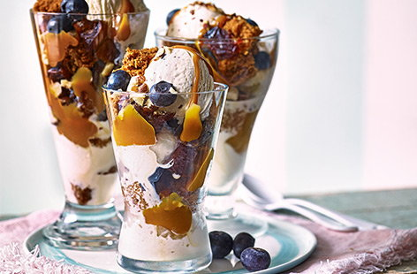 Mini sticky toffee sundaes