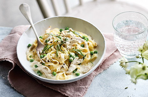 Milk-poached chicken with peas and pasta