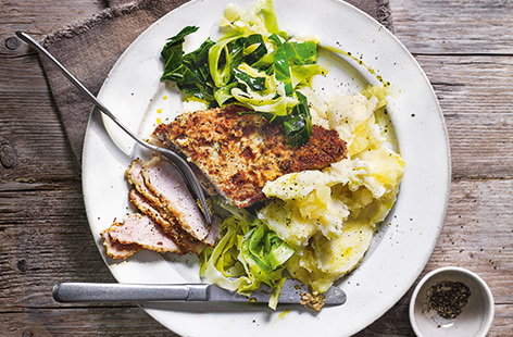 For a speedy supper for two that doesn't compromise on taste, try this delicious dinner recipe that offers a new twist on the classic pairing of pork and apple