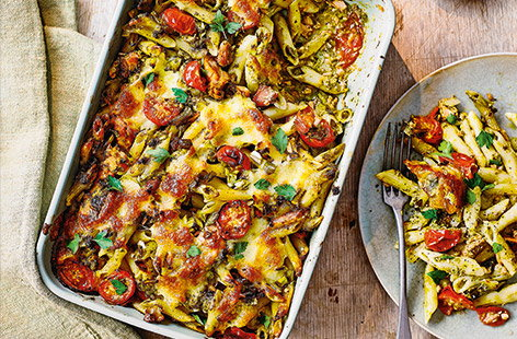 Pesto salmon pasta bake