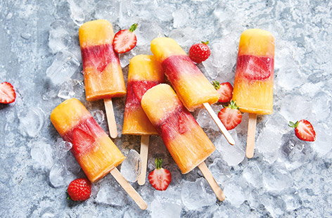 Striped fruit juice lollies