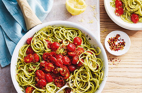 Tomato and pesto spaghetti
