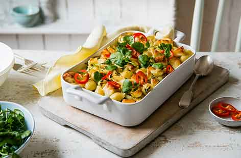 Pasta recipes easy pasta recipes tesco real food vegetarian pasta bake with halloumi forumfinder Choice Image