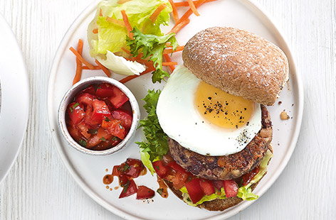 This veggie bean burger recipe is ideal for kids' lunches or dinners. The homemade burgers with plenty of beans, herbs and cheese are ready in just 20 minutes