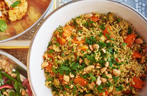 Bulgur wheat, almond and clementine salad
