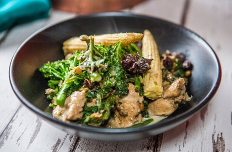 Chicken, coconut and kale curry