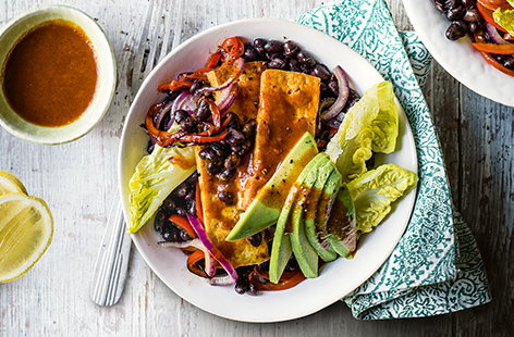 Buffalo tofu and black bean fajita bowls