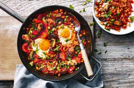 English breakfast shakshuka