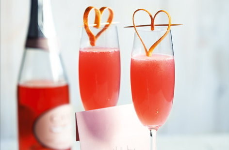 Pop a bottle of fizz for these grapefruit royale cocktails. With pretty pink grapefruit juice and clever grapefruit hearts, this is the the perfect Valentine's Day cocktail.