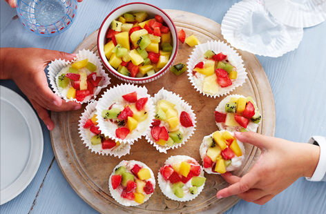 Little ones will love making these frozen yogurt bites. Not only are they colourful, fun and delicious, but they are also healthy, relying on the natural sweetness of fresh fruit so you don't need to add any additional sugar!